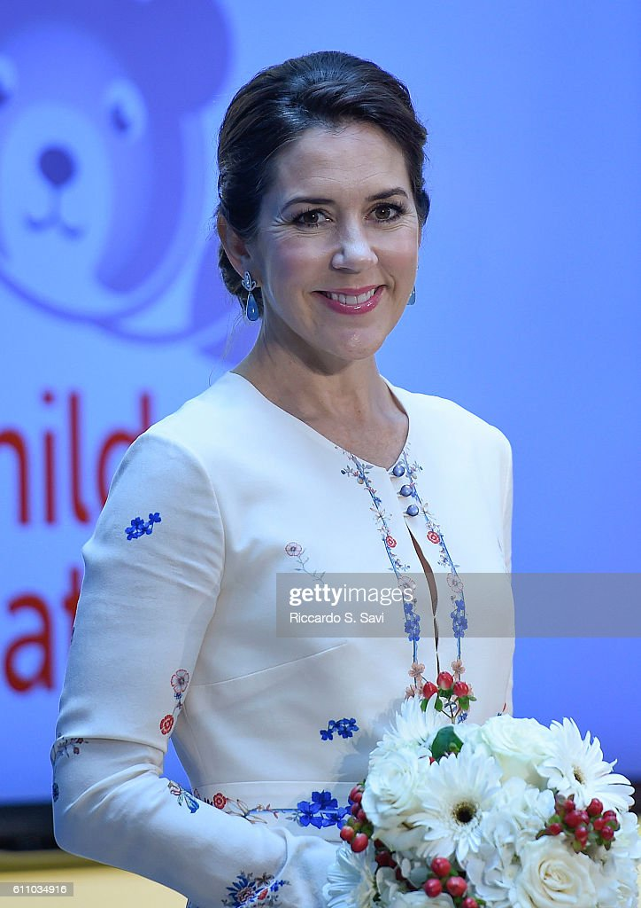 HRH Crown Princess Mary of Denmark speaks during a visit to Children's National Medical Center on September 28, 2016 in Washington, DC.