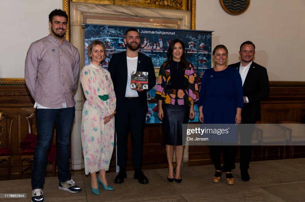 Crown Princess Mary Presents Christmas Seal To Support Vulnerable Children : News Photo