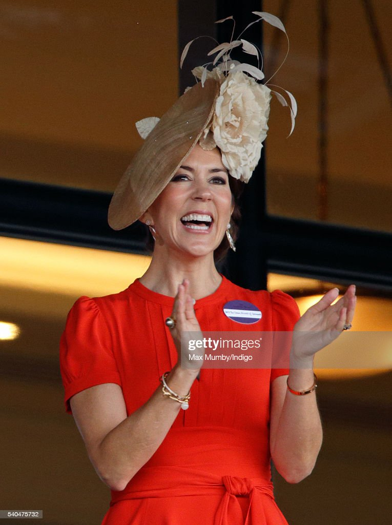 Crown Princess Mary of Denmark watches the racing as she attends day 2 of Royal Ascot at Ascot Racecourse on June 15, 2016 in Ascot, England.