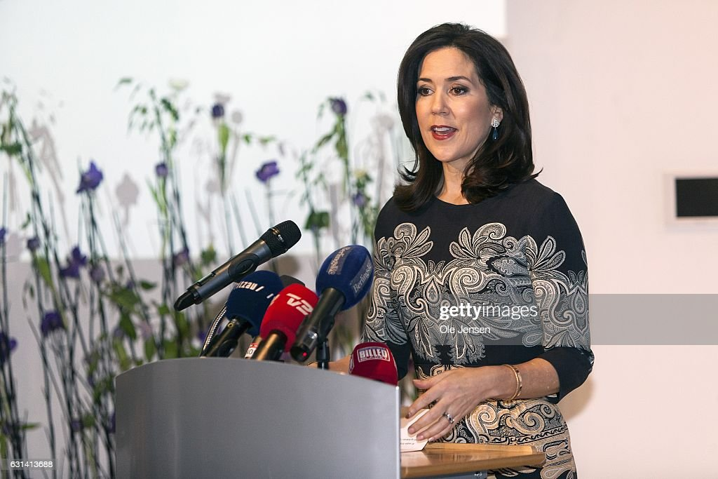 Crown Princess Mary Receives Berlingske Foundation's Honorary Award : News Photo