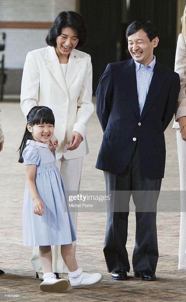 Japanese Royal Family During A Photocall At Dutch Royal Palace : ニュース写真