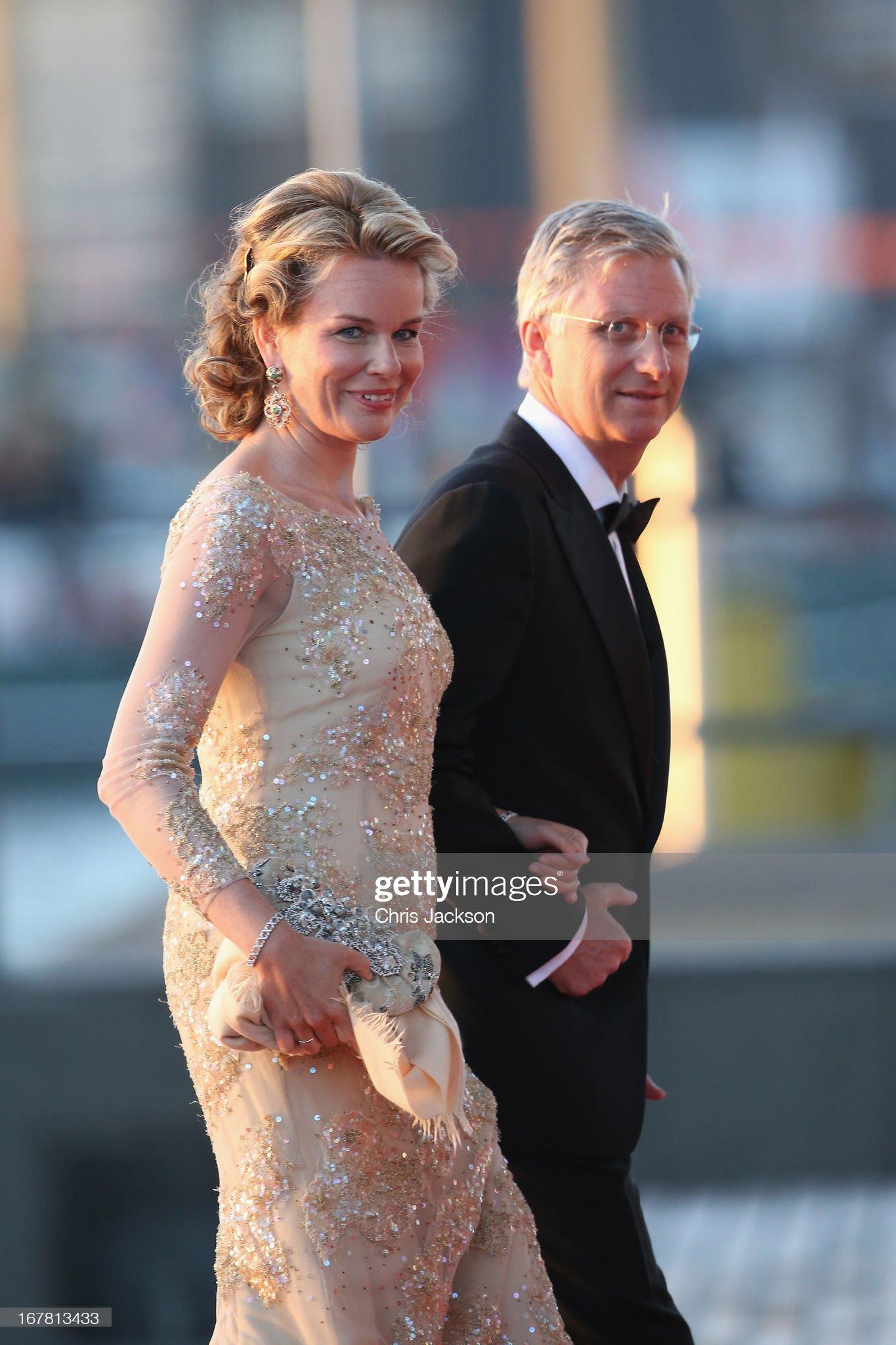 Вечерние наряды Королевы Матильды Inauguration Of King Willem Alexander As Queen Beatrix Of The Netherlands Abdicates : News Photo