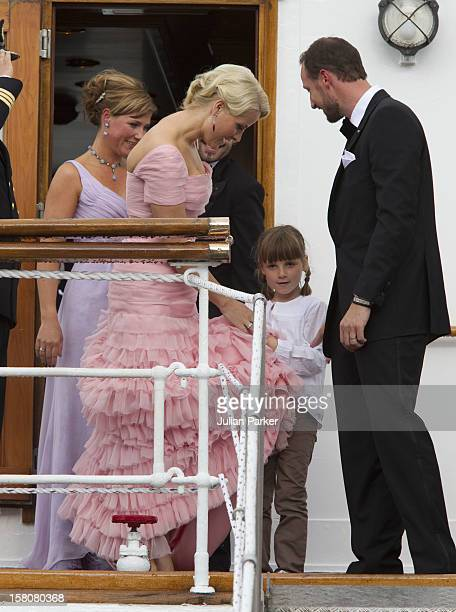 Crown Princess MetteMarit And Crown Prince Haakon Of Norway With Their Daughter Princess Ingrid Alexandra Before Leaving The Royal Yacht Ks Norge To...