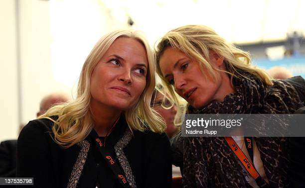 Crown Princess MetteMarit of Norway and DLDwoman chairwoman Maria Furtwaengler attend the Digital Life Design conference at HVB Forum on January 22...