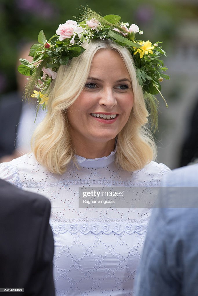 Crown Princess Mette-Marit of Norway attends a garden party during the Royal Silver Jubilee Tour on June 23, 2016 in Trondheim, Norway.