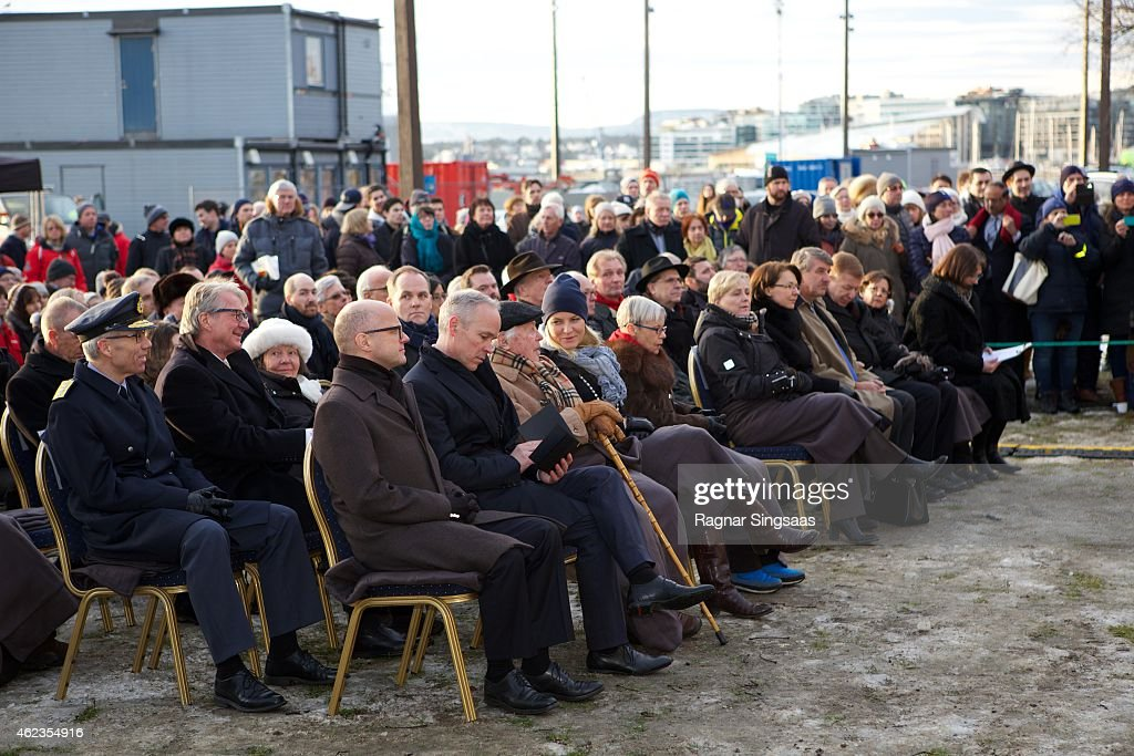 Crown Princess Mette-Marit of Norway (C) attends Holocaust Remembrance Day on January 27, 2015 in Oslo, Norway.