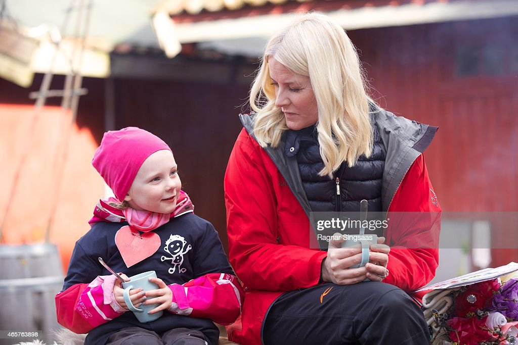 Princess Mette-Marit Attends Kindergarten Day in Oslo : News Photo