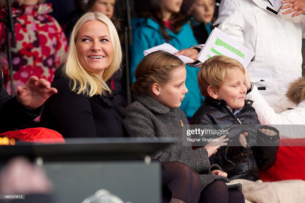 Crown Princess Mette Marit Attends the Save The Children's Peace Prize Festival in Oslo : News Photo