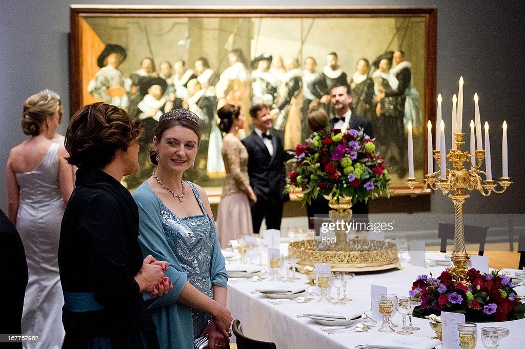 Queen Beatrix Of The Netherlands Hosts A Dinner Ahead Of Her Abdication : ニュース写真