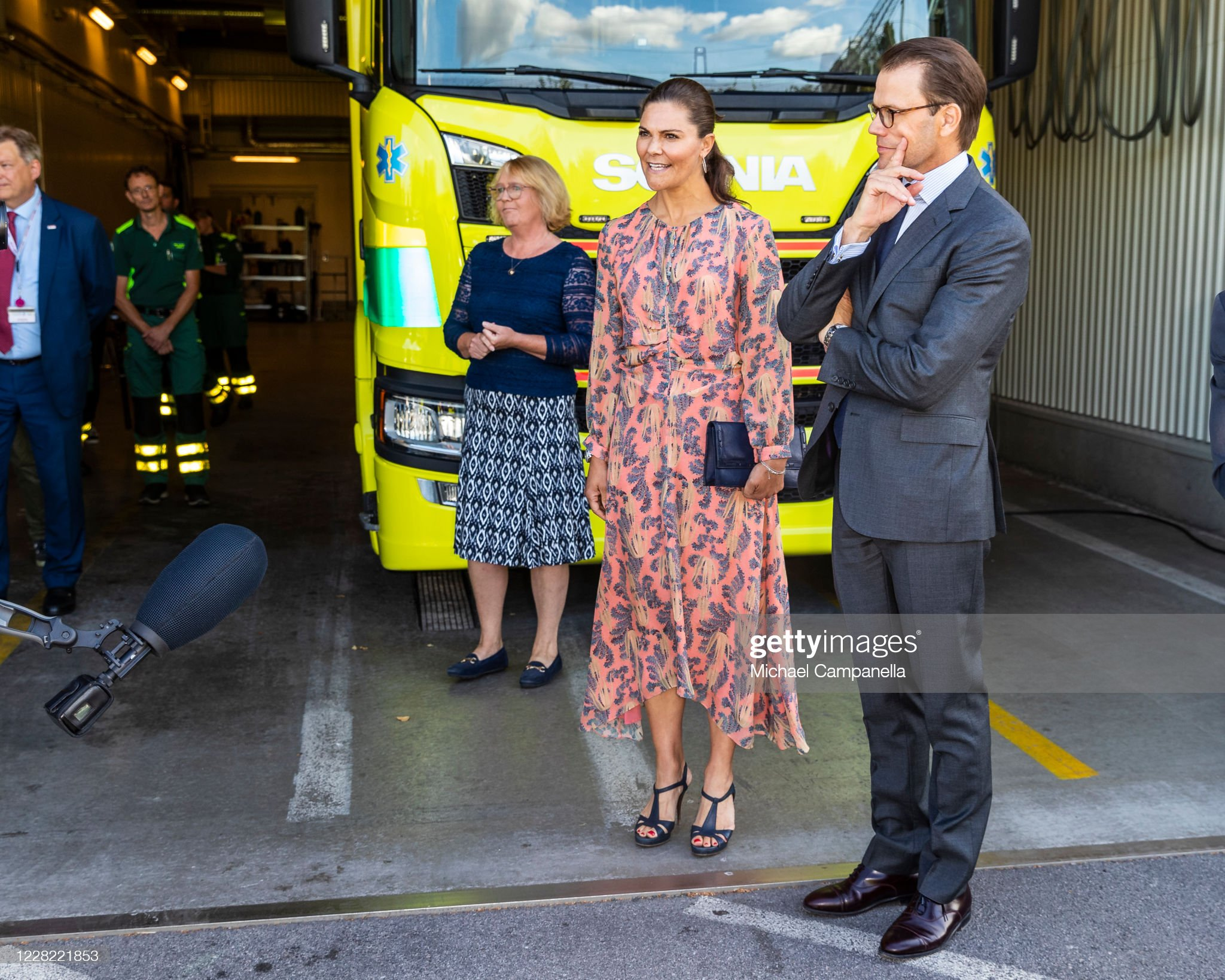 crown-princess-victoria-and-prince-daniel-of-sweden-visit-an-station-picture-id1228221853