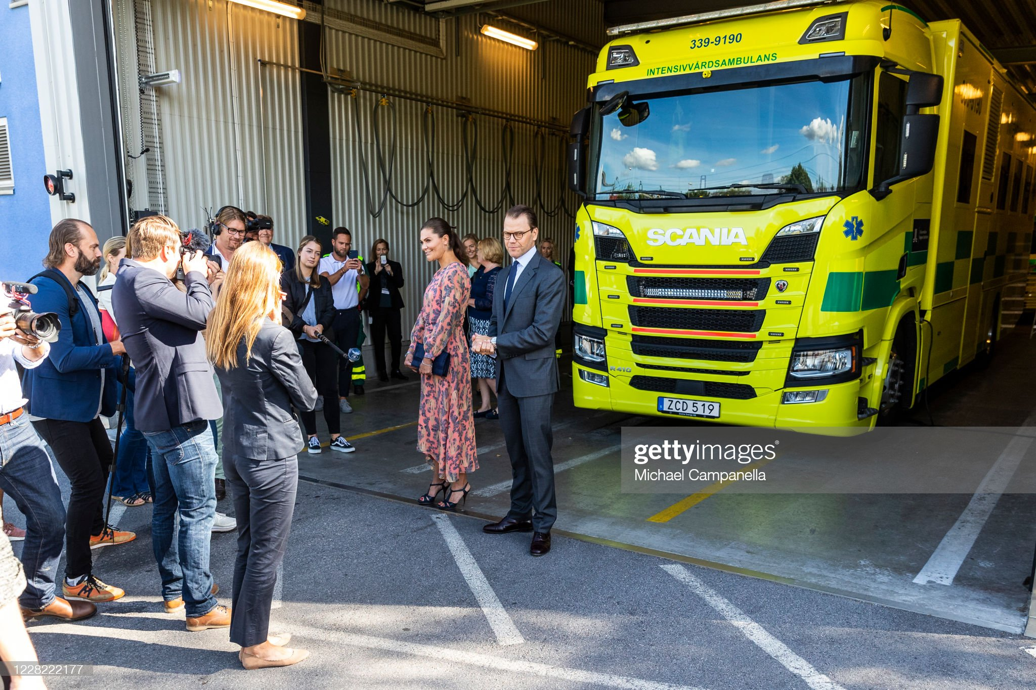 crown-princess-victoria-and-prince-daniel-of-sweden-visit-an-station-picture-id1228222177