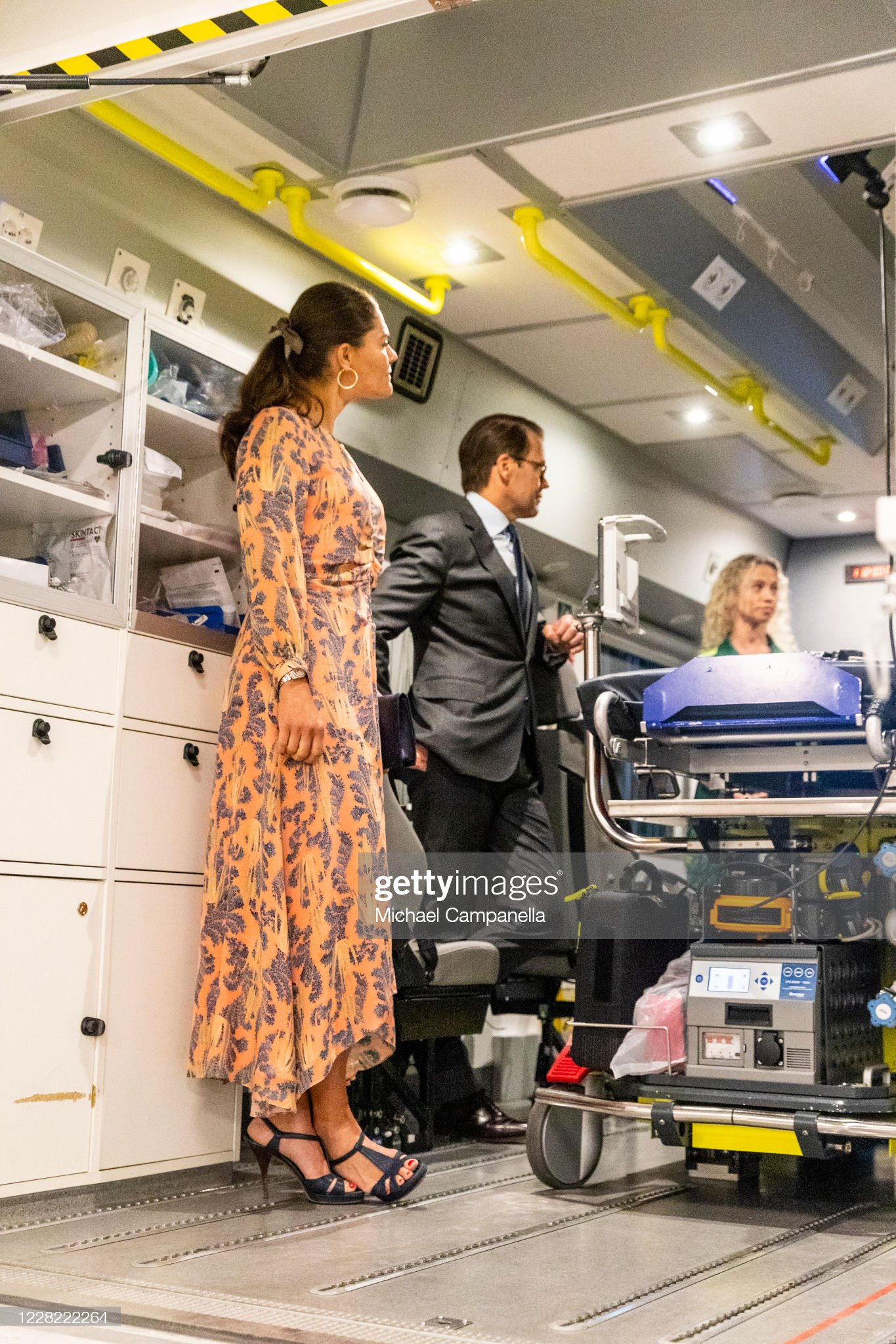 crown-princess-victoria-and-prince-daniel-of-sweden-visit-an-station-picture-id1228222264