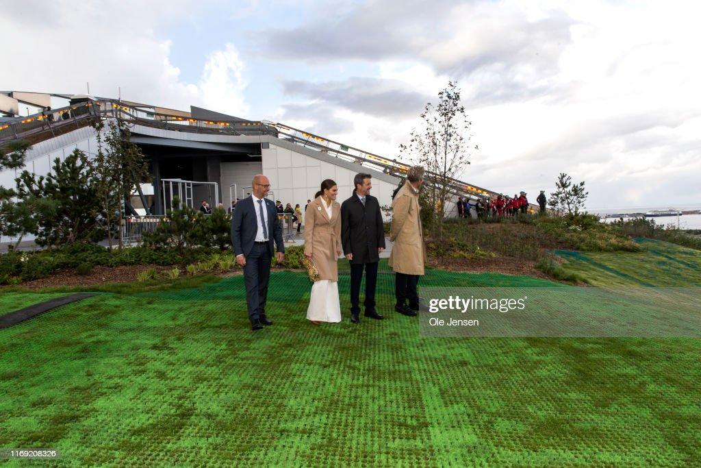 Crown Princess Victoria And Prince Daniel Of Sweden Visit Copenhagen - Day 3 : ニュース写真