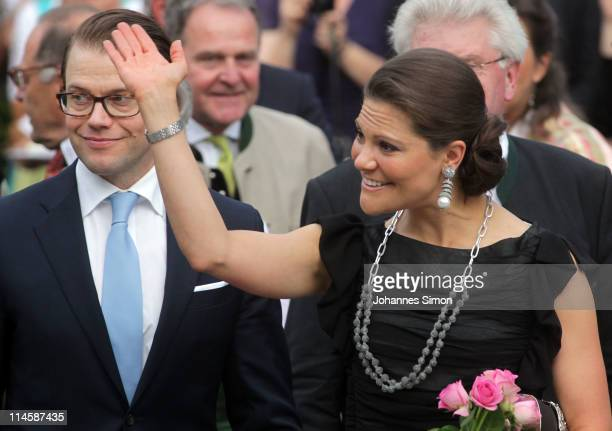 Crown Princess Victoria of Sweden and her husband Prince Daniel, Duke of Vastergotland, arrive at Brauereigasthof Aying beergarden on May 24, 2011 in...