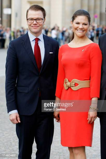 Crown Princess Victoria of Sweden and her husband Prince Daniel, Duke of Vastergotland, visit the Brandenburg Gate on May 27, 2011 in Berlin, Germany.