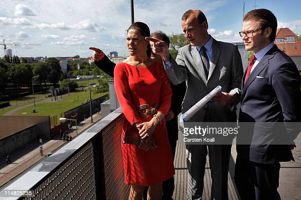 Crown Princess Victoria of Sweden and her husband Prince Daniel Duke of Vastergotland visit the memorial of the Berlin Wall on May 27 2011 in Berlin...