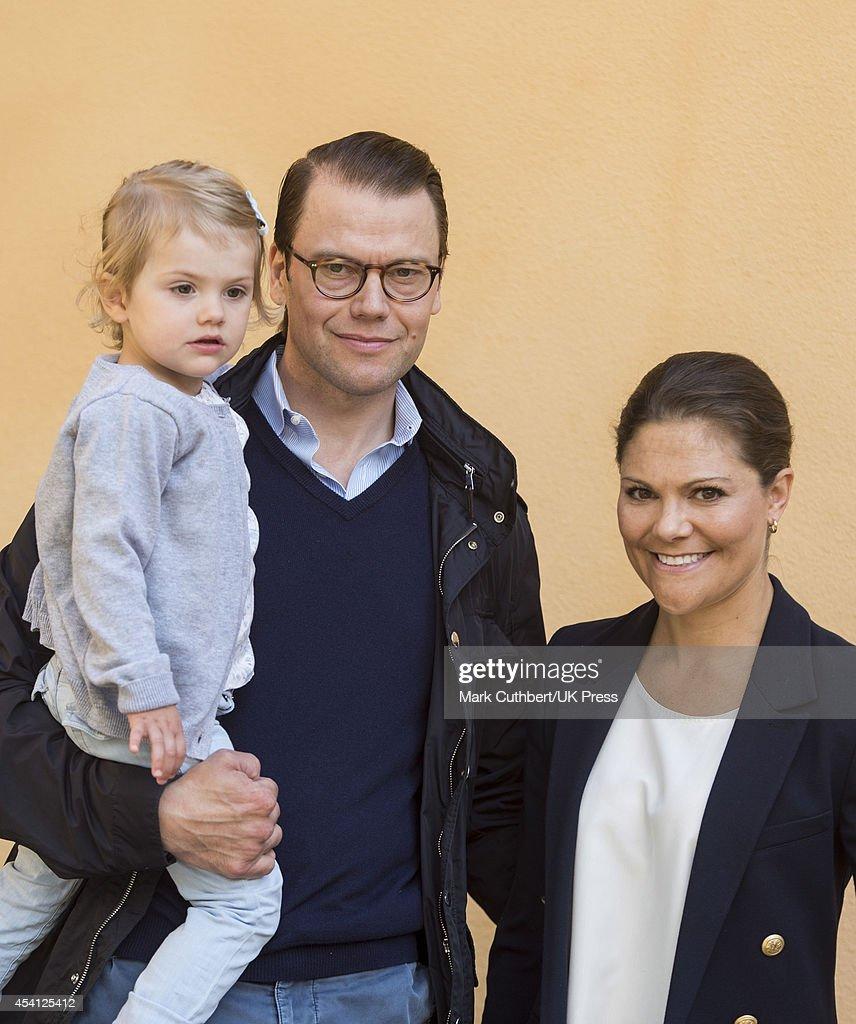 Princess Estelle Of Sweden Begins Pre School - Photocall : News Photo