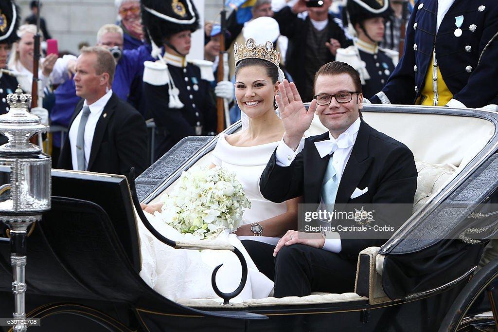 Sweden - Wedding Of Swedish Crown Princess Victoria & Daniel Westling - Cortege : News Photo