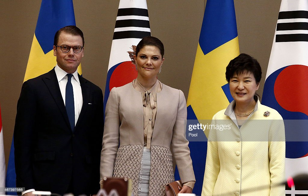 Crown Princess Victoria (C) of Sweden poses with Prince Daniel of Sweden (L) and South Korena president Park Geun-Hye (R) before their meeting at the presidential blue house on March 24, 2015 in Seoul, South Korea. H.R.H the Crown Princess of Sweden Victoria is visiting South Korea from March 23 to 24.