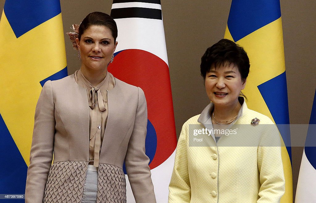 Crown Princess Victoria (L) of Sweden poses with South Korena president Park Geun-Hye (R) before their meeting at the presidential blue house on March 24, 2015 in Seoul, South Korea. H.R.H the Crown Princess of Sweden Victoria is visiting South Korea from March 23 to 24.