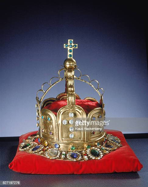 crown reclining on a pillow - crown stock pictures, royalty-free photos & images