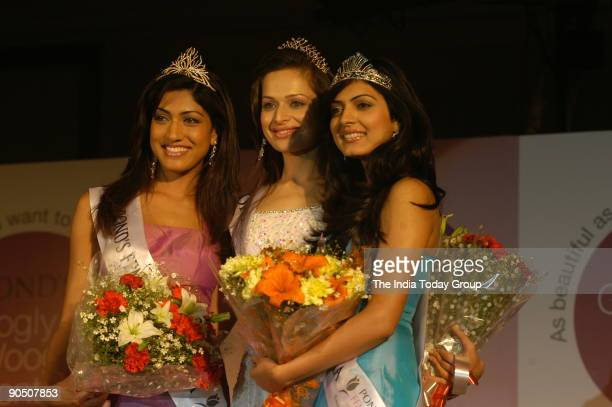 Crowned by ponds Femina Miss India 2005 Amrita Thapar Sindhura Gadde and Niharika Singh at The ceremony of New Ponds Googly Woogly Queens 2006 in New...