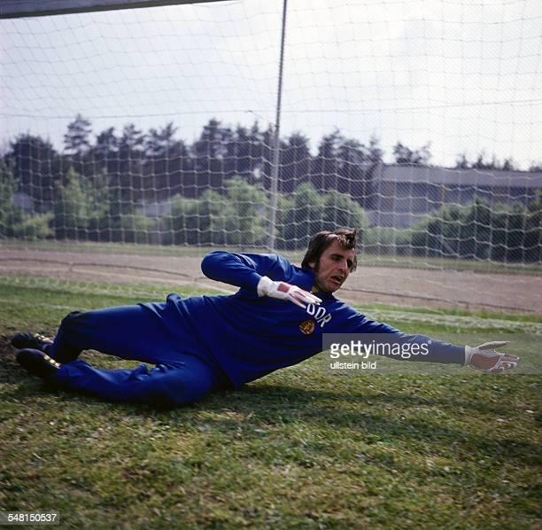 Croy, Juergen *- Fussballtorwart, DDR Olympiasieger 1976 - als Torwart - 1974