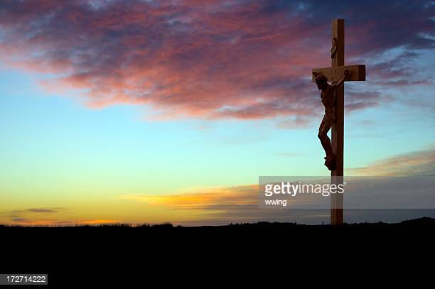 crucifix at sunrise - good friday stock pictures, royalty-free photos & images