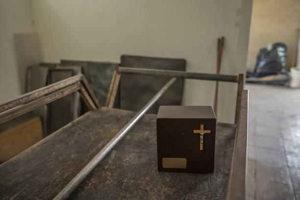 MEX: Inside A Crematorium As Mexico Reports First Daily Rise Of More Than 1,000 Virus Deaths