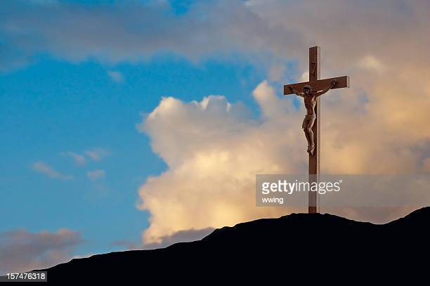 crucifix on good friday - good friday stock pictures, royalty-free photos & images