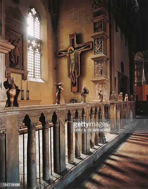 Crucifixion of Rimini ca 1301 attributed to Giotto tempera and gold on wood Malatesta Temple Rimini EmiliaRomagna Italy 15th century