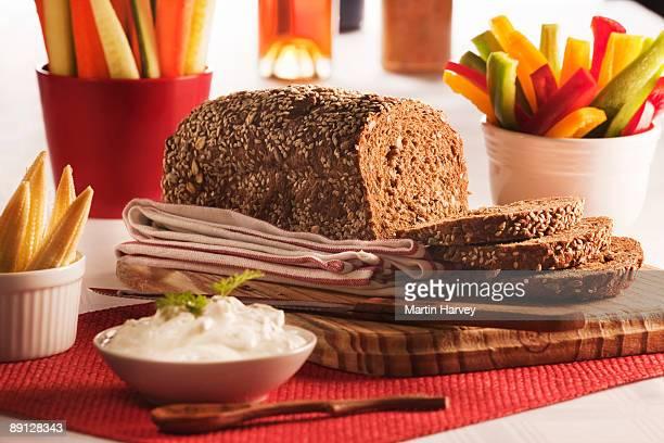 Crudites with health bread.