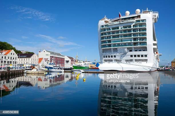 Kreuzfahrtschiff Azura in Stavanger