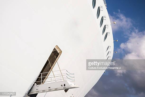 cruise ship, en route to haiti - cruise stock pictures, royalty-free photos & images
