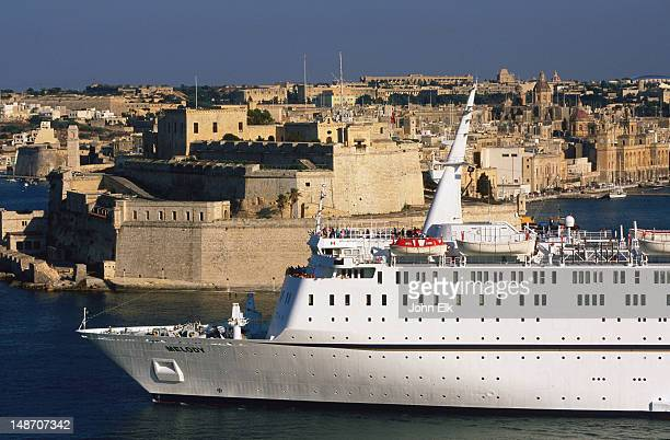 Cruise ship, Grand Harbour.