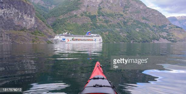 """cruise ship in the aurlandsfjord in norway during a beautiful summer day - """"sjoerd van der wal"""" or """"sjo"""" stock pictures, royalty-free photos & images"""
