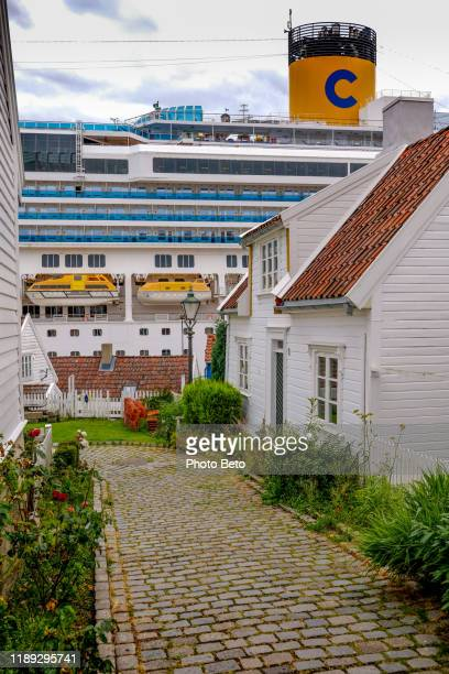 ノルウェー - 船 - ポート - クルーズ - hd - フィッシャーマンズディストリクト - ウッドハウス - スタバンゲル ストックフォトと画像