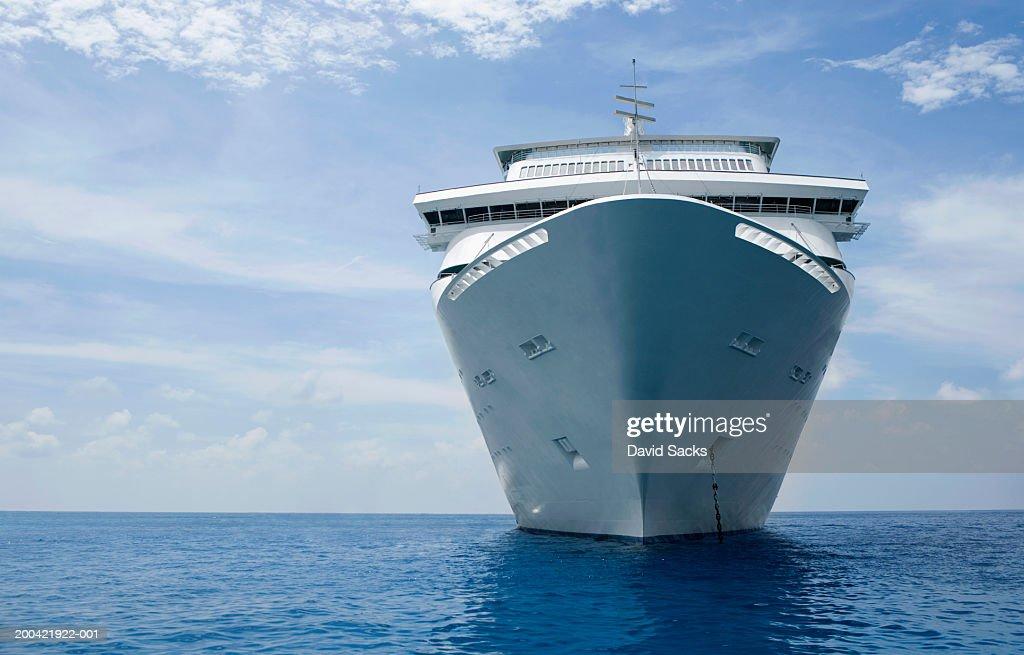 Cruise ship : Bildbanksbilder