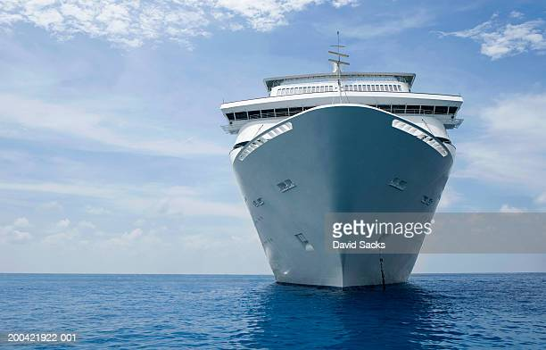 cruise ship - cruise ship stock pictures, royalty-free photos & images