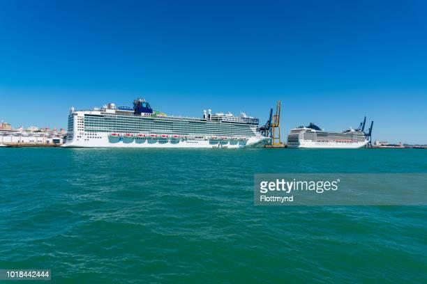 Cruise ships docked in Cadiz