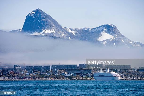 cruiseship ms deutschland and mountains. - ms deutschland cruise ship fotografías e imágenes de stock