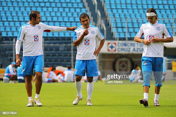 Cruz Azul players Alejandro Castro, Jaime Lozano and Gerardo Lugo in action during a training session at the Azul Stadium on January 28, 2010 in...