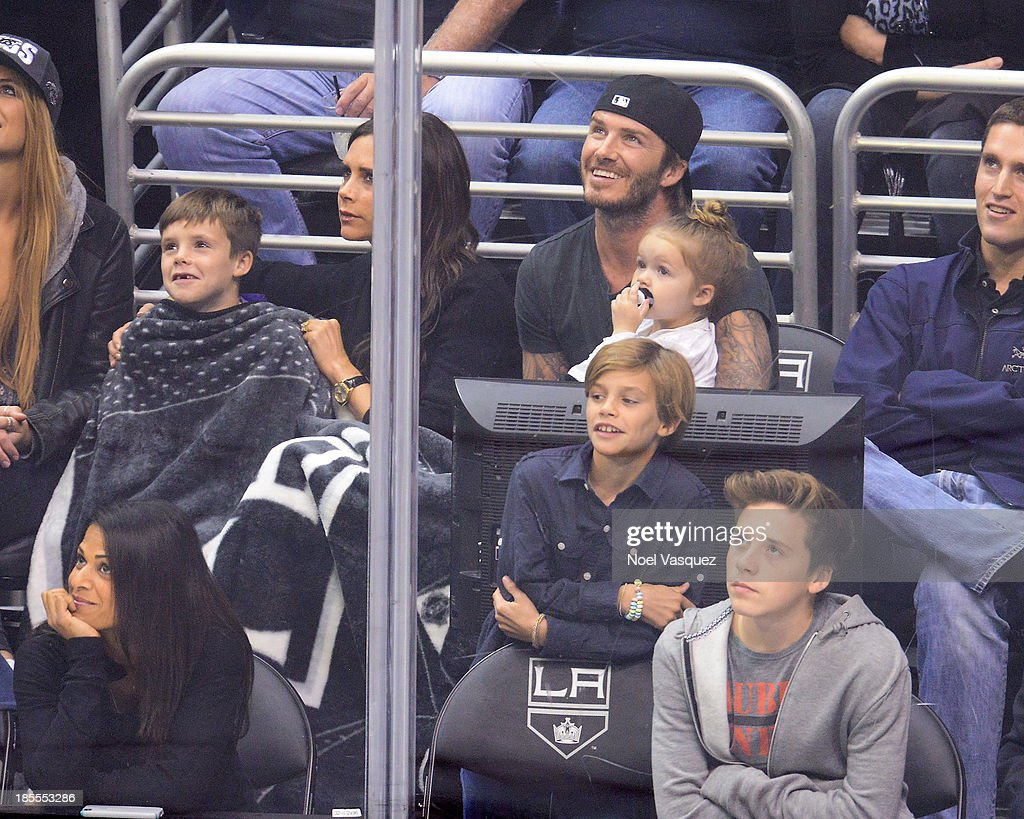 Celebrities At The Los Angeles Kings Game : News Photo