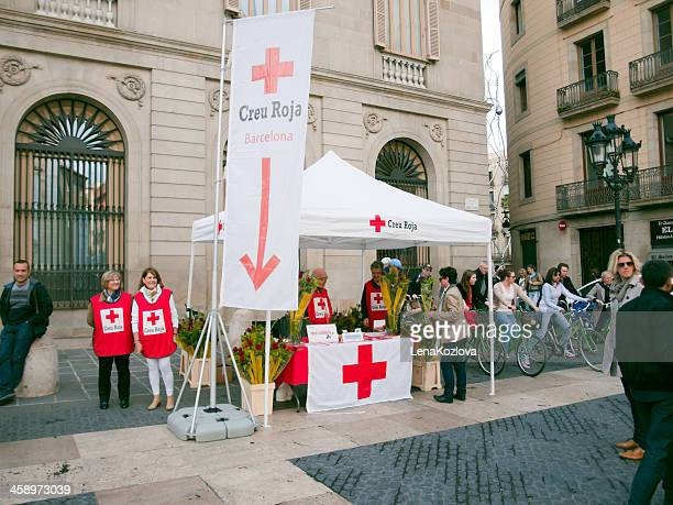 cruz roja - international red cross and red crescent movement stock pictures, royalty-free photos & images