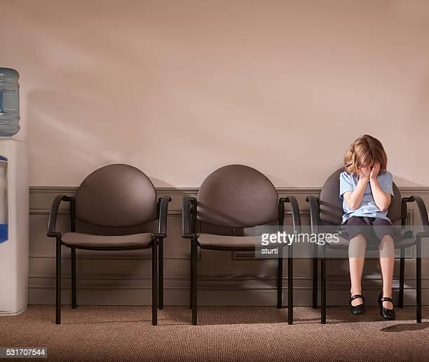 Écolière pleurer