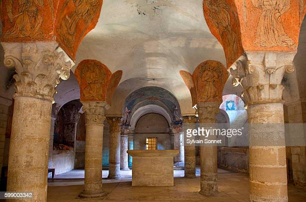 crypt of notre-dame de bayeux cathedral - クリプト ストックフォトと画像