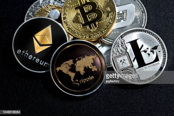 cryptocurrency : ethereum ondulation litecoin bitcoin dash - crypto monnaie photos et images de collection