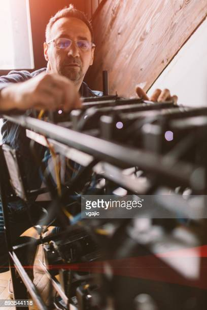 cryptocurrency mining - cryptocurrency mining stock photos and pictures
