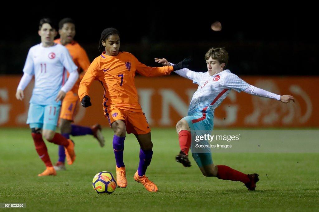 Crysencio Summerville of Holland U17, Ridvan Yilmaz of Turkey U17 during the match between Turkey U17 v Holland U17 at the Sportpark Parkzicht on March 13, 2018 in Uden Netherlands