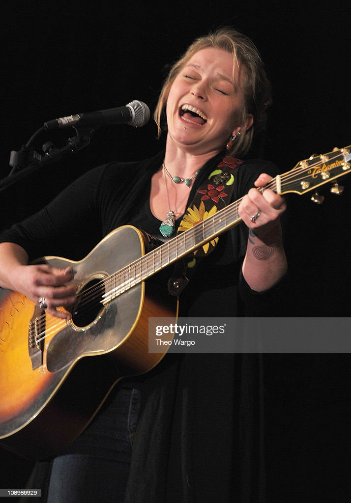 VEV0 Presents Crystal Bowersox At ANA TV And Everything Video Conference
